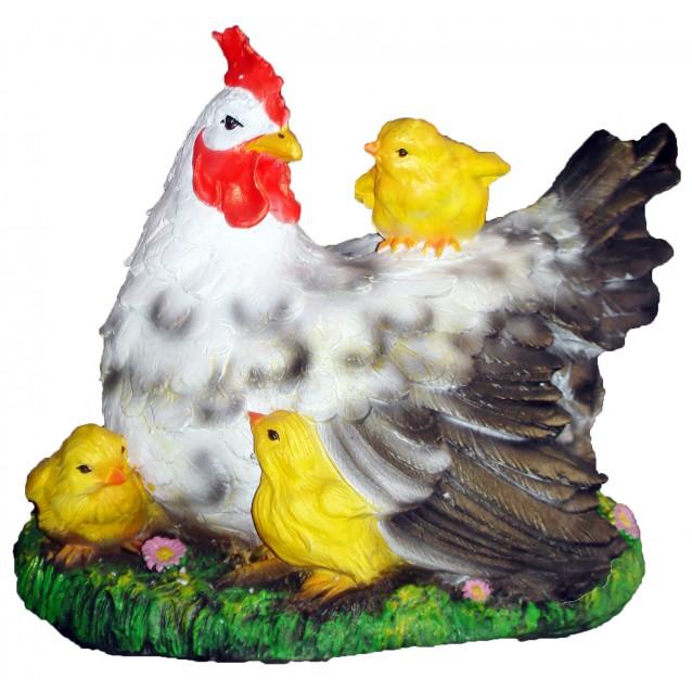 Скульптура «Курица-наседка»