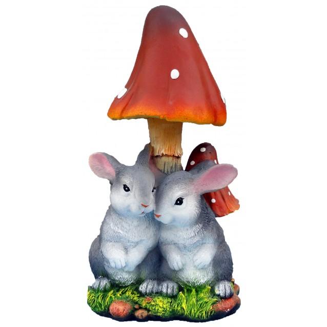 Скульптура «Зайцы под грибом»